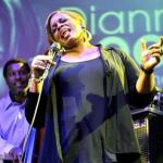 DIANNE REEVES: Christmas Time Is Here