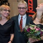 Sarah McKenzie, Irena i Dionizy
