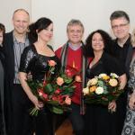 New York Voices, Irena i Dionizy